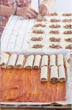 Rellenar canelones con carne molida